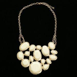 Luxury Necklace Gold/White NWOT